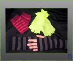 Teen Maker Monday: DIY Fingerless Gloves